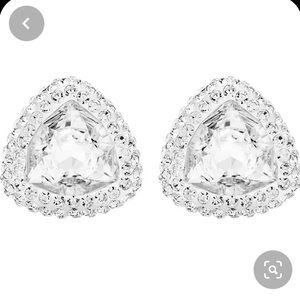 Swarovski crystal stud earrings NWT